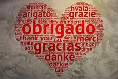 Portugiese: Obrigado, Herz geformter Wortwolke Dank, Schmutz-BAC Lizenzfreie Stockbilder