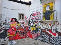 Portugiesische Fadograffiti in der Straße von Lissabon stockfotografie