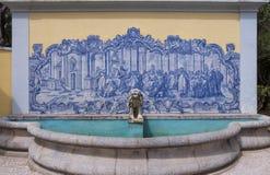 Portugiesische Fliesen Azulejos bei Museu Condes de Castro Guimarães lizenzfreies stockbild
