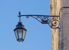 Portugiesische Straßenbeleuchtung Lizenzfreie Stockfotografie