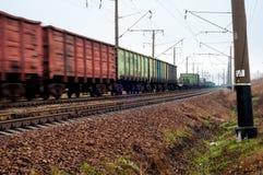 Poruszający pociąg towarowy Zdjęcia Stock