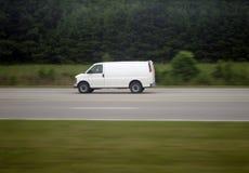 poruszający samochód dostawczy Zdjęcia Royalty Free