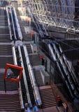 Poruszający schodki w staci kolejowej Kyoto, Japonia Zdjęcie Royalty Free