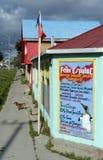 Porvenir är en by i Chile på ön av Tierra del Fuego Den administrativa mitten av kommunen och landskapnollan Royaltyfri Bild