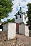 Porvoo, Finland. De de oude poort en klokketoren van de steenKerk royalty-vrije stock afbeelding