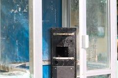 Porzucający i rujnujący telefonu pudełko fotografia royalty free
