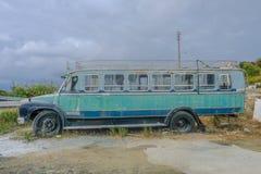 porzucony autobus stary Zdjęcia Royalty Free