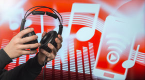 posłuchaj muzyki słuchawki obrazy stock