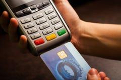 Pos. och kreditkortar Arkivbild