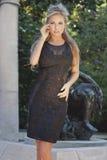 Posa bionda elegante della donna. Fotografia Stock Libera da Diritti