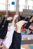 Posa della candela di yoga Fotografia Stock