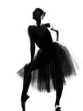 Posa di condizione del danzatore di balletto della donna Immagini Stock