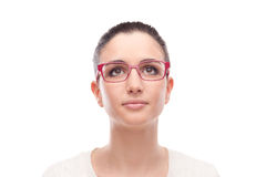 Posa di modello sorridente con gli occhiali di modo Fotografia Stock