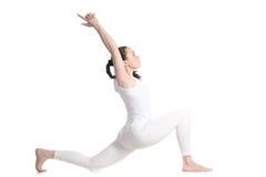 Posa di yoga del cavaliere del cavallo Fotografie Stock Libere da Diritti