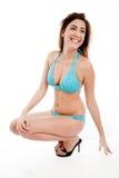 Posa laterale del modello sensuale sorridente Immagini Stock Libere da Diritti