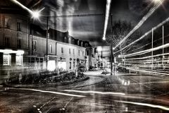 Posa lunga in una città francese fotografia stock