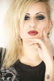 Posa punk della ragazza Fotografia Stock Libera da Diritti