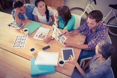Posadzona kreatywnie biznes drużyna pracuje wpólnie Obraz Stock