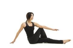 Pose asiática bonita da ioga da mulher Fotos de Stock
