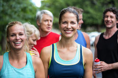Pose d'athlète féminin de marathon Image libre de droits