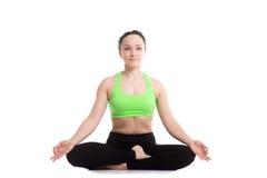 Pose da ioga de Ardha Padmasana Imagens de Stock
