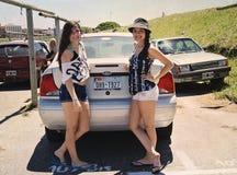 Pose dans le parking de Punta Mogotes Photographie stock libre de droits