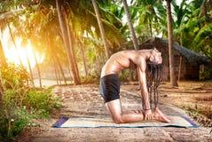Pose de chameau de yoga Image stock