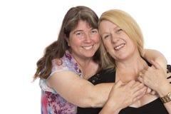 Pose de deux amis proches Photo libre de droits