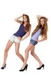 Pose de deux modèles de mode Images libres de droits