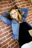 Pose de fille d'adolescent Images libres de droits