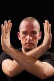 Pose de professeur d'arts martiaux Photographie stock libre de droits