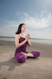 Pose de yoga photographie stock libre de droits