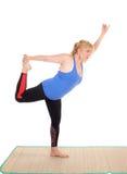 Pose di rappresentazione dell'istruttore di yoga Fotografia Stock Libera da Diritti