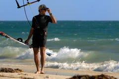 Pose du surfer de cerf-volant Image stock