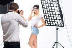 Pose femminili del modello professionale durante Fotografia Stock Libera da Diritti