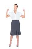 Pose magnifique de sourire de femme d'affaires Images libres de droits