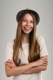 Pose occasionnelle positive de femme Portrait émotif de fille Jeune marché des changes Images libres de droits