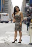 Pose 'sexy' na rua da cidade fotografia de stock