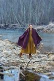 Pose sur le fond de la rivière Photographie stock