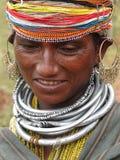 Pose tribali della donna di Bonda per un ritratto Fotografie Stock Libere da Diritti