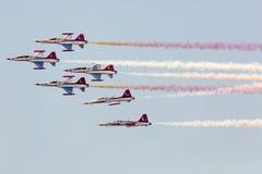 POSEN, POLEN - 14. JUNI: Aerobatic Gruppenbildung Stockfotografie