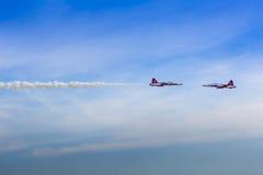 POSEN, POLEN - 14. JUNI: Aerobatic Gruppenbildung Lizenzfreie Stockfotografie