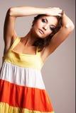 posera för modeflicka arkivfoton