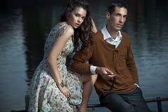 posera för par som är sexigt fotografering för bildbyråer