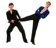 posera för roligt ben för holding för dansarevän male Royaltyfri Fotografi