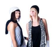 Posera för två ungt nätt kvinnor Fotografering för Bildbyråer