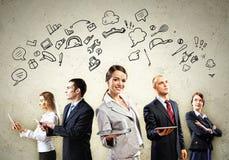 Posera för Businesspeoplelag Royaltyfri Fotografi