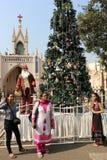 Posera med Santa Claus Royaltyfri Fotografi