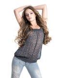 posera studiokvinna för härlig glamour Royaltyfria Bilder