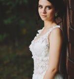 Poses da noiva para a câmera Foto de Stock Royalty Free